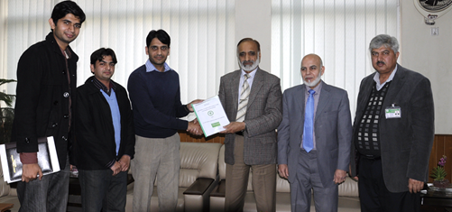 Group on Mou signing event between Star Farm Pakistan and PMAS